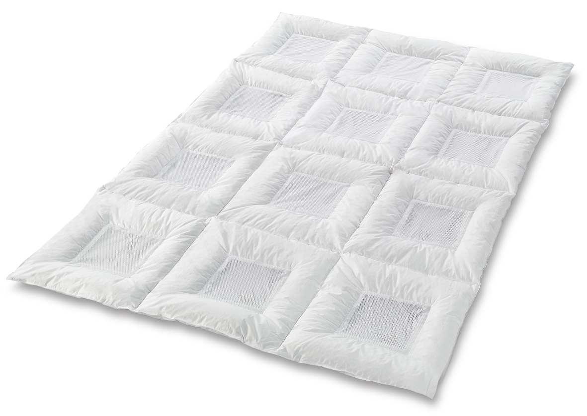 sommer daunendecke tiefschlaf sommerdaunendecken weit unter uvp. Black Bedroom Furniture Sets. Home Design Ideas